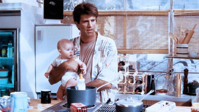 Alle Hände voll zu tun: Ted Danson in «Three Men and a Baby» (1987).