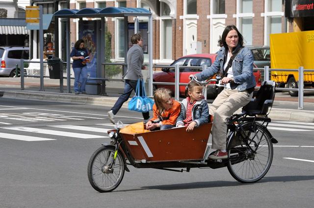 mutter kind fahrrad kaufen automobil bau auto systeme. Black Bedroom Furniture Sets. Home Design Ideas