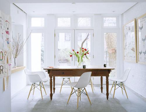 Warum wir gerne in weiss wohnen sweet home for Old table modern chairs