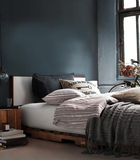 Dunkle Wände Machen Kleine Räume Gross | Sweet Home Schlafzimmer Dunkle Farben