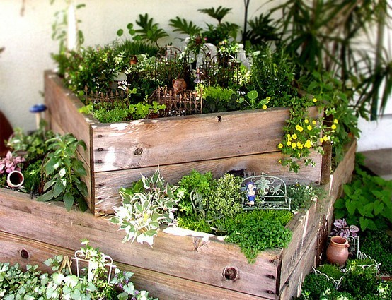 Schlagwort balkon sweet home sweet home for Fairy garden box ideas