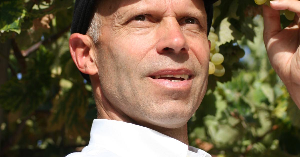 Karl Schefer, Gründer und Chef des Bioweinhändlers Delinat. | Beruf & Berufung - KarlSchefer-1200x630