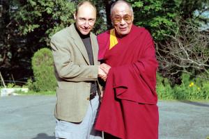 Manuel Bauer begleitete den Dalai Lama während vier Jahren als persönlicher Fotograf.