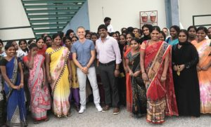 Zu Besuch beim Produzenten in Indien.