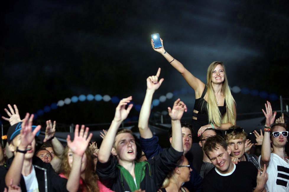 Smartphone-Kauf übers Internet: Testen Sie ein Handy lieber im Geschäft, sonst wirds mit der Rückgabe schwierig. Foto: Getty