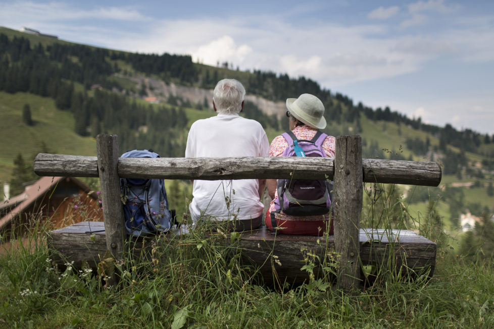 Nur mit der Ruhe: Wer mit dem Bezug der AHV-Rente zuwartet, muss genügend Reserven für die Zeit der Überbrückung haben. Foto: Gaetan Bally/Keystone