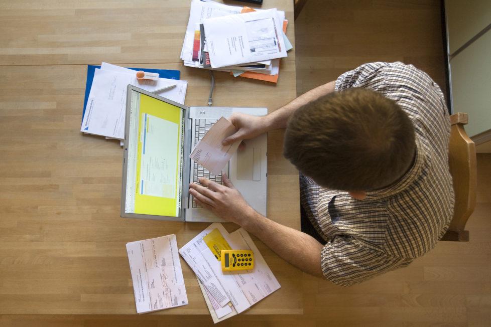 Androhung von hohen Mahngebühren: Ob die Beträge rechtlich durchsetzbar sind, ist unklar. Foto: Alessandro Della Bella/Keystone