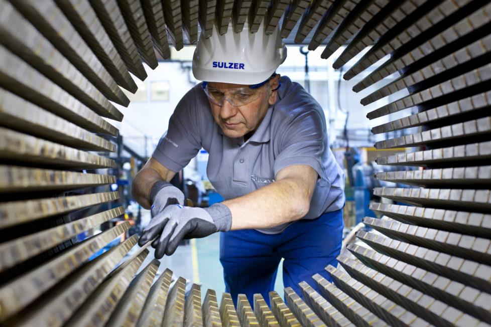 Servicearbeiten bei Sulzer: Die Nachfrage nach den Aktien des Industriekonzerns steigen