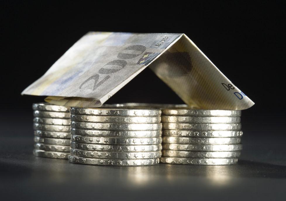 Eigenheim-Finanzierung: Lassen Sie sich nicht von tiefen Zinsen blenden. Foto: Keystone