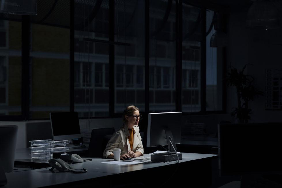 Ausnahme, nicht die Regel: Überstunden sollten Sie sich vom Vorgesetzten schriftlich bestätigen lassen. Foto: Getty