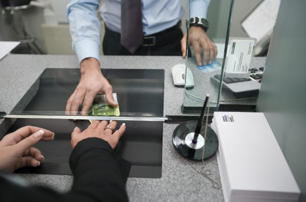 Die Prämie ist nicht übertragbar und gilt nur für den Abschluss eines aktiv genutzten Top-Girokontos (bei erfolgreich durchgeführtem Online-Antrag bis und dessen unverzüglichem Versand gem. dem Antrag beiliegender Checkliste an die norisbank GmbH).