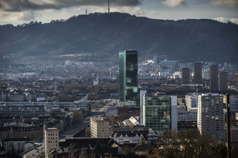 Nicht ausschliesslich auf Zürcher oder Berner Immobilienfonds setzen: Prime Tower in Zürich. Foto: Reto Oeschger