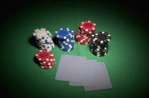 Damit das Mandat nicht zum Roulette wird: Ein schriftlicher Vertrag mit dem Vermögensverwalter ist zwingend. Foto: Getty Images