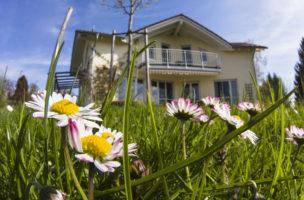 Model für eine Immobilienrente: Hypothek abschliessen und den 10-jährigen Zins vorauszahlen. Foto: Getty Images