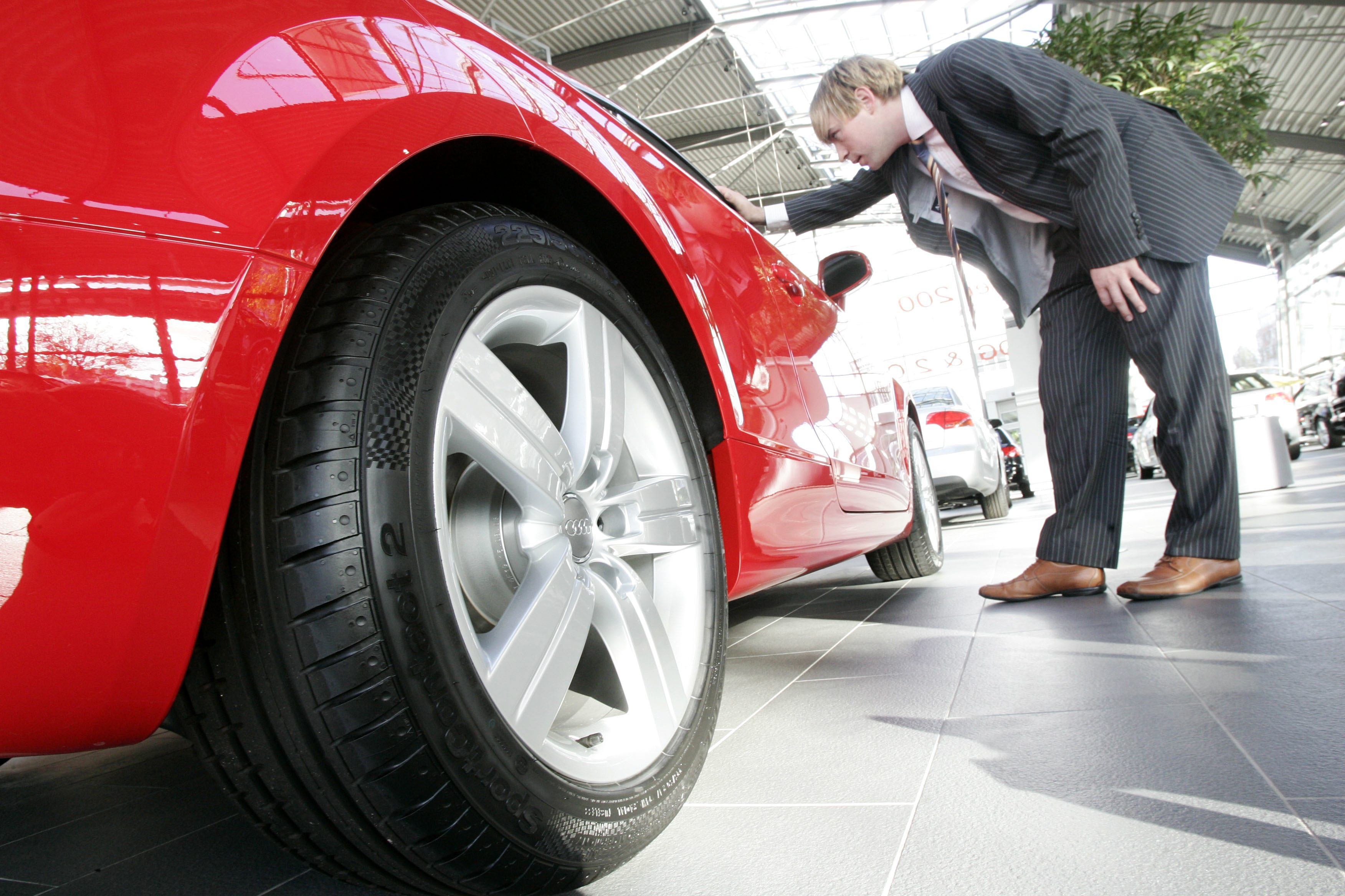 Autoleasing Verteuert Den Autokauf Barzahlung Ist Am Besten Foto Keystone