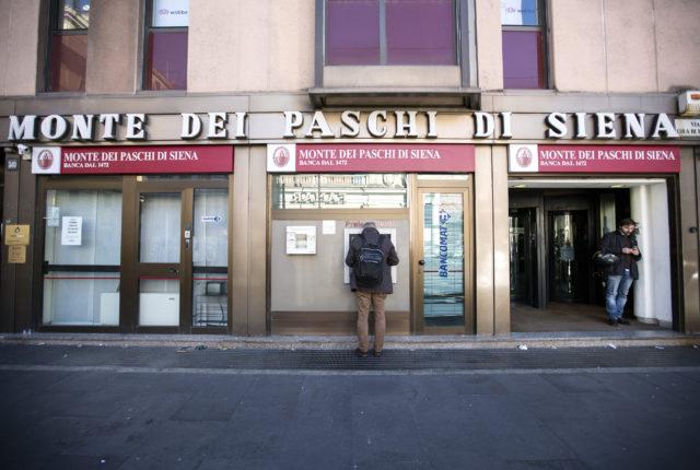 Italien sitzt auf einer Staatsverschuldung von 2,3 Billionen Euro: Pleitebank Monte dei Paschi di Siena. Foto: Keystone