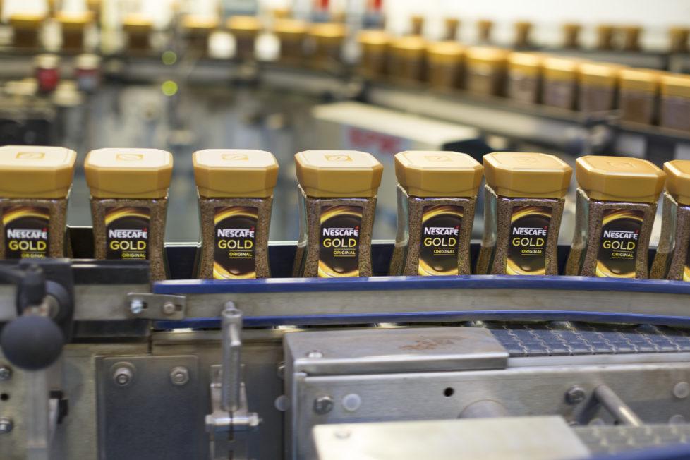Auszahlung und hoher Kurs sind nicht garantiert: Nestlé ist eine Schweizer Dividendenperle. Foto: Gaetan Bally/Keystone