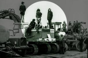 Mehrere hundert Leute der Gewaltfreien Aktion Kaiseraugst besetzen am 1. April 1975 das Baugelände des geplanten AKW Kaiseraugst im Kanton Aargau. Foto: Keystone