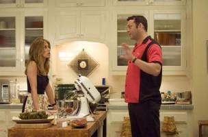 80 Prozent der Hausarbeit übernehmen die Frauen. Sagen diese. (Bild: aus dem Film «The Break up» mit Jennifer Aniston und Vince Vaugn)