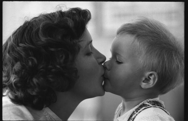 Kinder auf den mund küssen