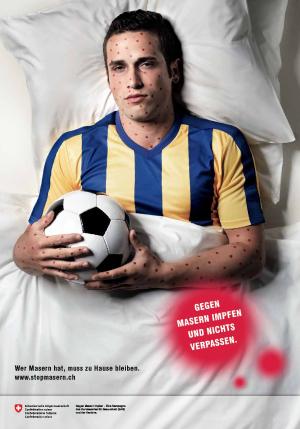 Der Kandidat hat 100 Punkte: Fussballer auf einem Plakat der aktuellen BAG-Kampagne gegen Masern.
