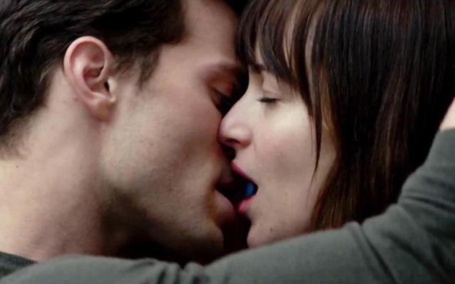 Wann und wo auch immer: Dakota Johnson und Jamie Dornan in Fifty Shades of Grey. (Universal Studios)