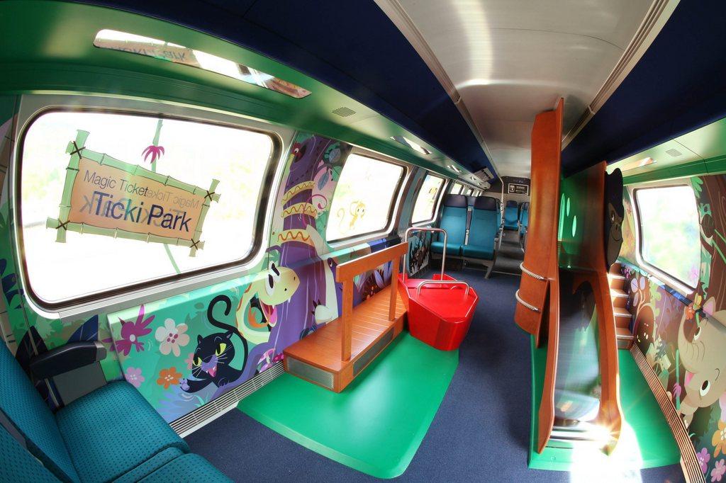 Saubere Sache – noch: Der erste Familienwagen des Typs Ticki Park bei seiner Präsentation 2010. Foto: Patrick Lüthy (SBB, Keystone)