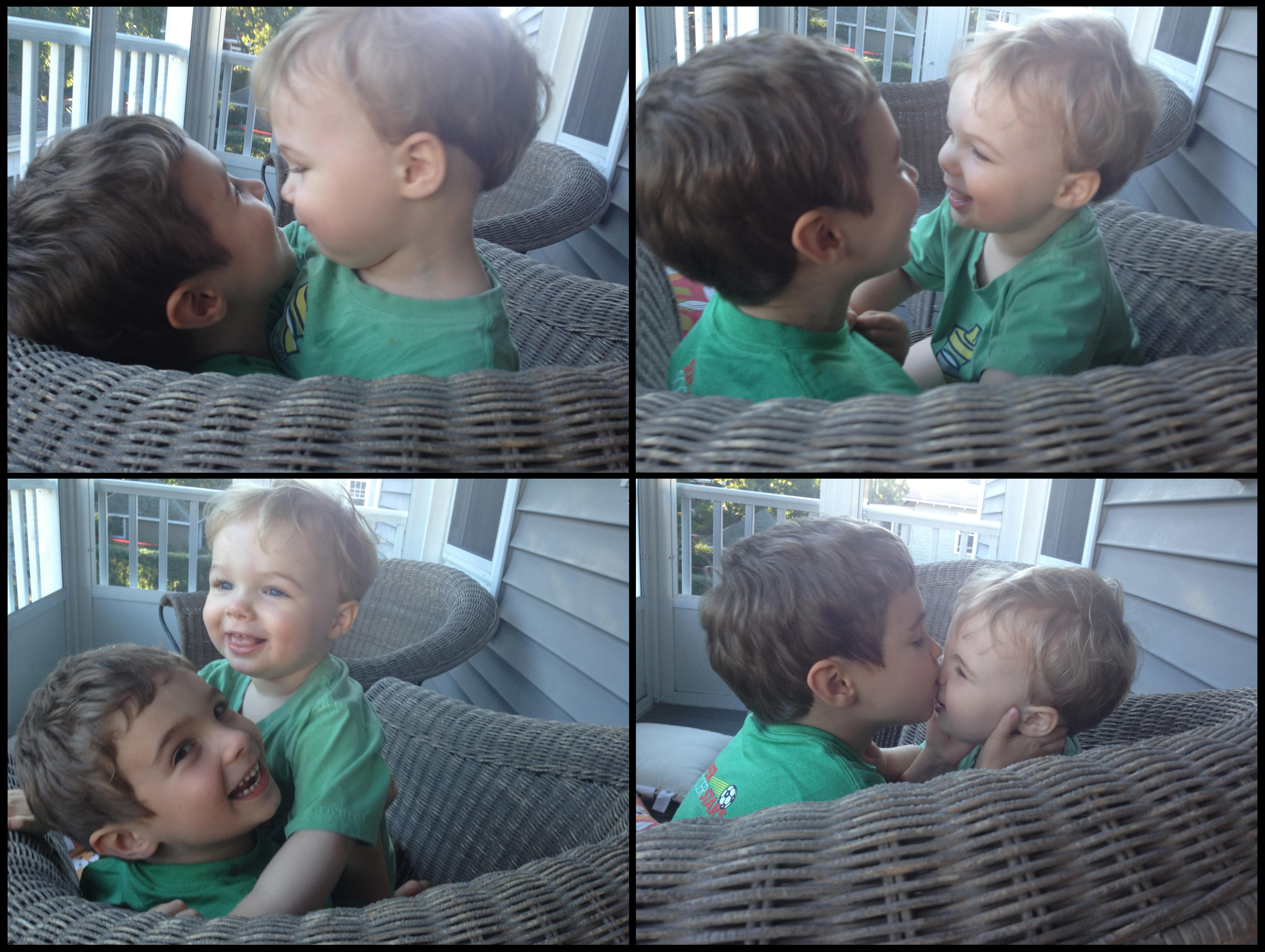 Welche Sprache der Liebe sprechen Ihre Kinder? Brüder herzen sich auf einer Veranda. Foto: Juhan Sonin (Flickr)