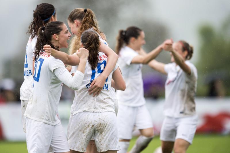 Auf dem Fussballplatz werden Frauen nicht ernst genommen Bild: Keystone/Ennio Leanza