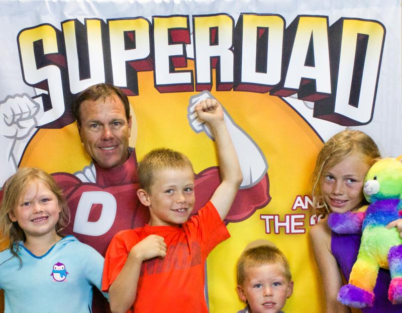 Superdads flutet das Internet mit Bildern von ihren tollen Kindern – und sich selber. Foto: Christ's Place (Flickr)