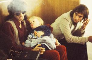 Familienglück inklusive: Keith Richards und sein Sohn Marlon im Oktober 1970. (Gijsbert Hanekroot/Redferns)