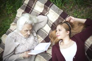 (iStock)     Früh rechnen, lohnt sich: Viele Frauen müssen im Alter mit dem Existenzminimum auskommen. (iStock)