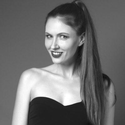 Anna Karolina Stock