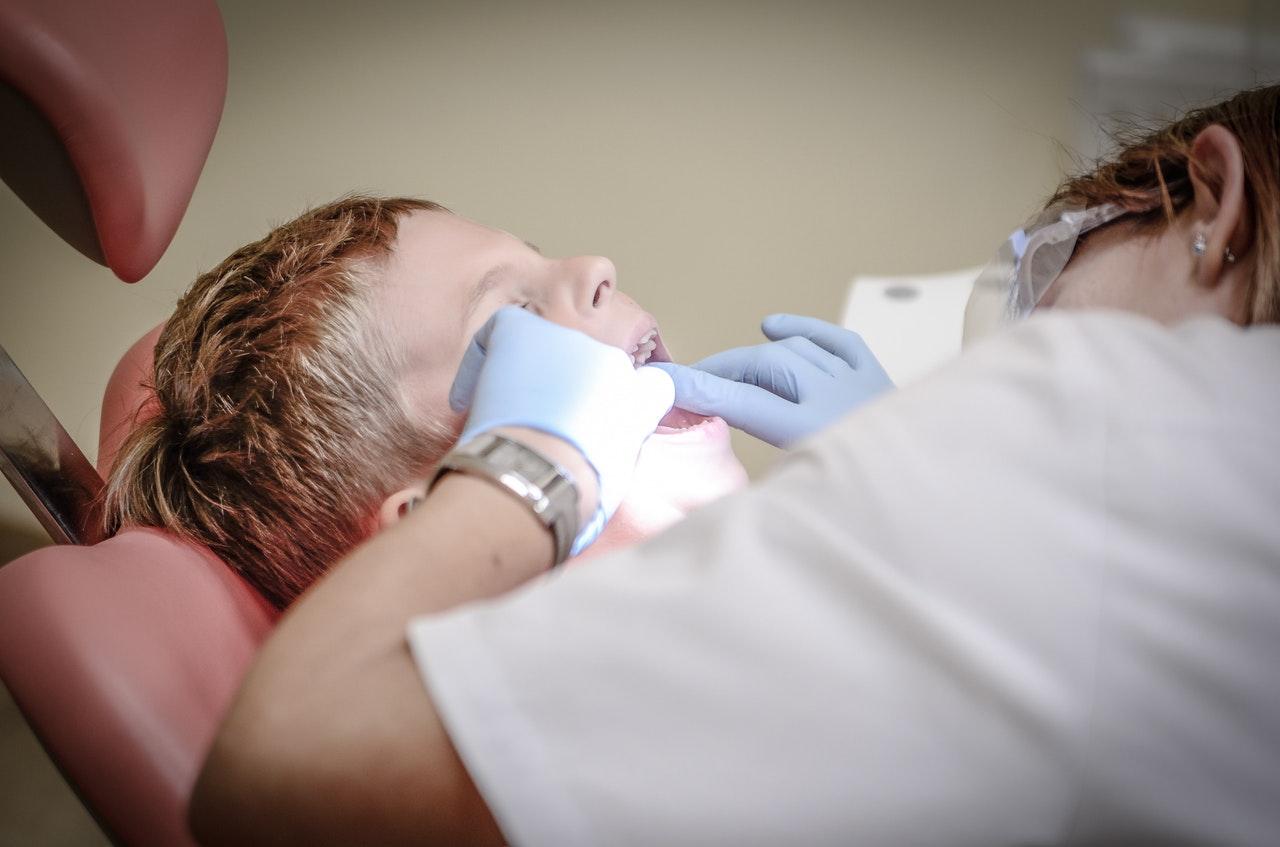 Beisshemmungen vor der Zahnspange