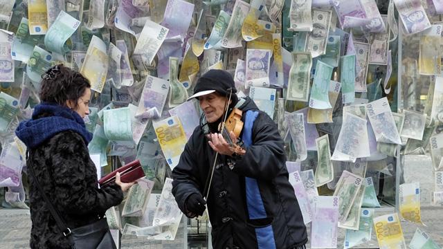 Geld Strassenmusiker Prag
