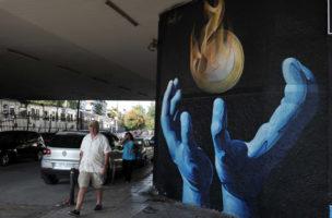 Griechenland kann die EU-Schulden nicht nach wie vor nicht zurückzahlen: Wandbild in Athen (27. September 2013). (AFP/ Louisa Gouliamaki)