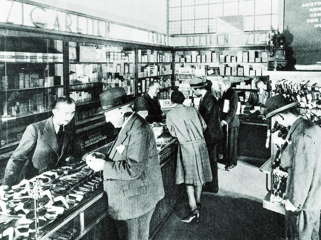 Zigarrenabteilung im Kaufhaus des Westens in Berlin 1928. Foto: KaDeWe (Keystone)