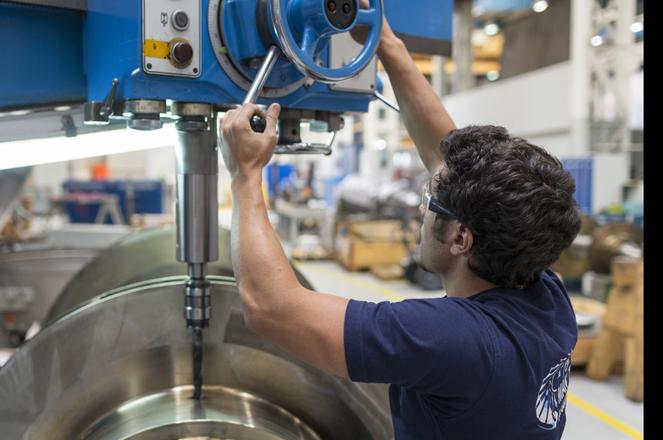 Man Diesel und Turbo Maschinen Bau im Kreis 5 in Zuerich fotografiert am 15. Juni 2015. (KEYSTONE/Gaetan Bally)