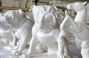 Deutschland ist Weltmeister in der Überproduktion: Porzellanfiguren der Reichenbach GmbH. (Keystone/Jens Meyer)