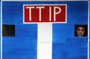 Ausdruck einer protektionistischen Gegenbewegung: TTIP-Opposition in Brüssel. (Reuters/Francois Lenoir)