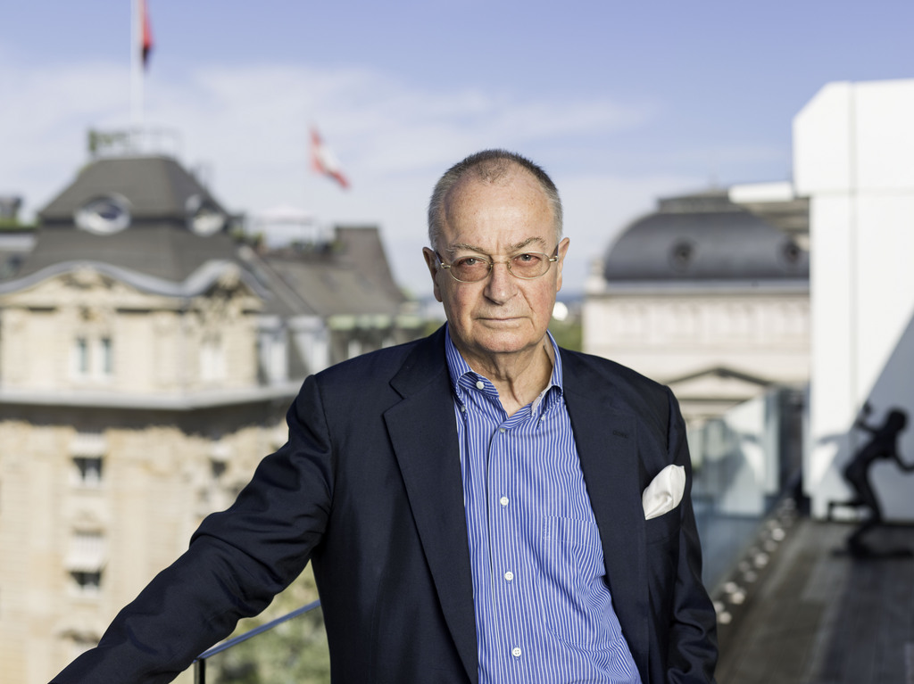 Swiss publicist Frank A. Meyer, pictured on the roof terrace of the Ringier building in Zuerich, Switzerland, May 21, 2014. (KEYSTONE/Christian Beutler)  Der Publizist Frank A. Meyer, aufgenommen auf der Terasse des Ringier Gebaeudes in Zuerich, am 21. Mai 2014. (KEYSTONE/Christian Beutler)