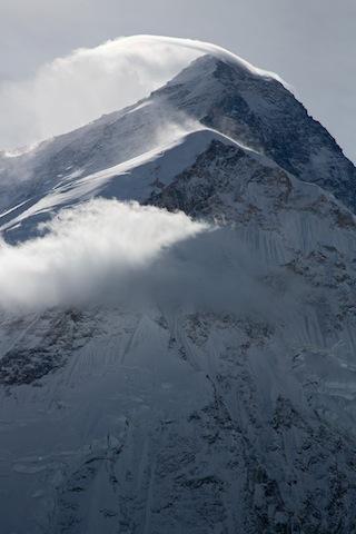 Stürmische Stunden am höchsten Berg der Erde, dem Mount Everest. (Foto: Reel Rock / Sender Films / explora.ch)