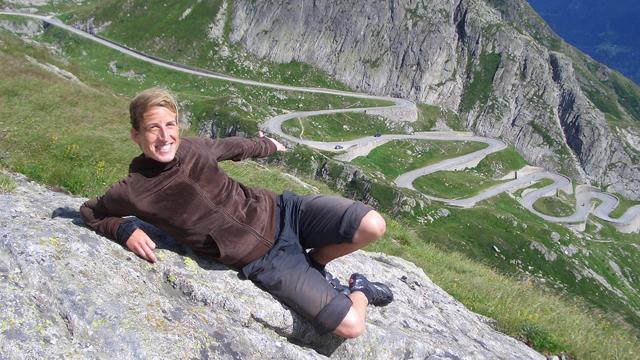 Nie wieder von Norden: Die Autorin und ihr erster Alpenpass, der Gotthard, im Jahr 2008.