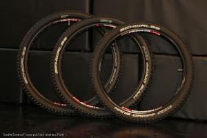 Mountainbiker können heute zwischen drei Laufradgrößen wählen: dem klassischen agilen 26-Zoll-Rad, dem Twentyniner (29 Zoll) mit optimiertem Rollverhalten und als Kompromiss der neuen Reifengröße 650B (27,5 Zoll).