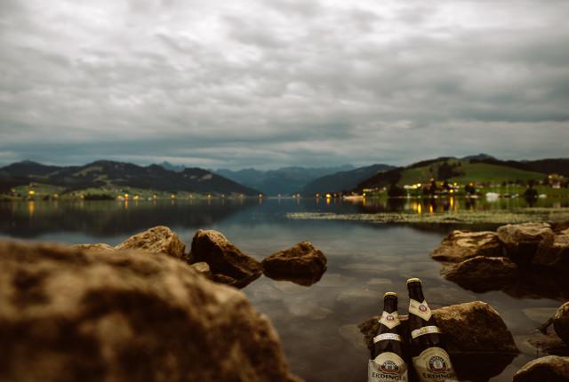 Seegekühltes Bier. Obwohl, so kühl war der See leider nicht.