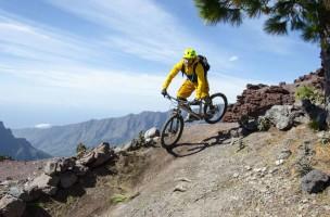 Eine gute Fahrtechnik erhöht die Sicherheit auf dem Bike. Foto: MTB_Academy