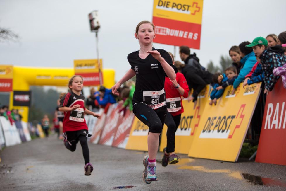 Grosser Sport beginnt mit den Kleinen: Schüler am Hallwilerseelauf. Foto: Dominik Baur (Photopress, Keystone)