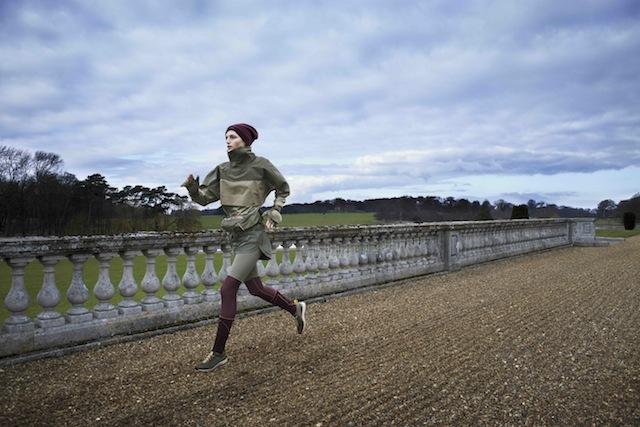 Darauf hat die modebewusste Welt gewartet: Kleidung die fürs Büro und fürs Joggen passt. Foto: Adidas by Stella McCartney