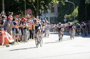 Trotz grosser Begeisterung – im Bild die Tour-de-France-Etappenankunft in Bern – wird das IAM-Team nicht weitergeführt. (Bild: Martin Platter)