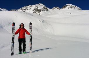 Schnee auf den Latten: Das konkrete Skimodell ist nicht zu erkennen.